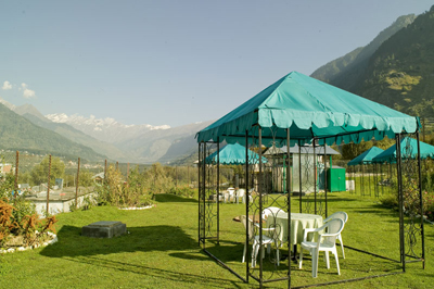 lawn3, cheapest resorts in manali