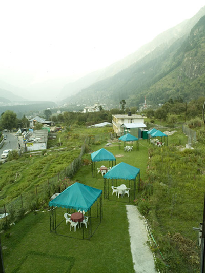 lawn4, Budget resorts in manali