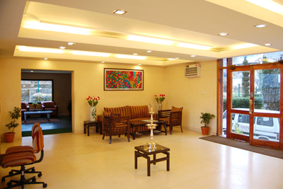 reception3, 2 star resorts in manali