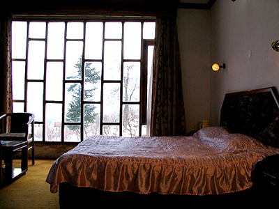 room-with-balcony, budget resorts in manali